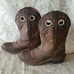 ARIAT WOMEN'S COWBOYS BOOTS, SIZE 7.5B !!!!